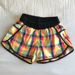 Lululemon SeaWheeze Plaid Track Attack Shorts Sz 6